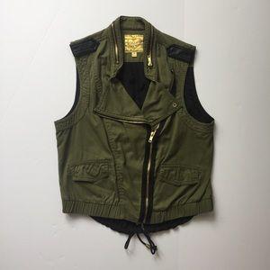 PRINCESS VERA WANG Green Vest